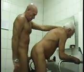 Wichsen gegenseitig männer alte Alte männer