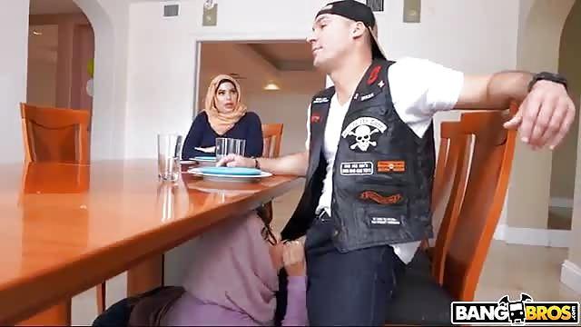 Stiefmutter fickt Stieftochter Bf